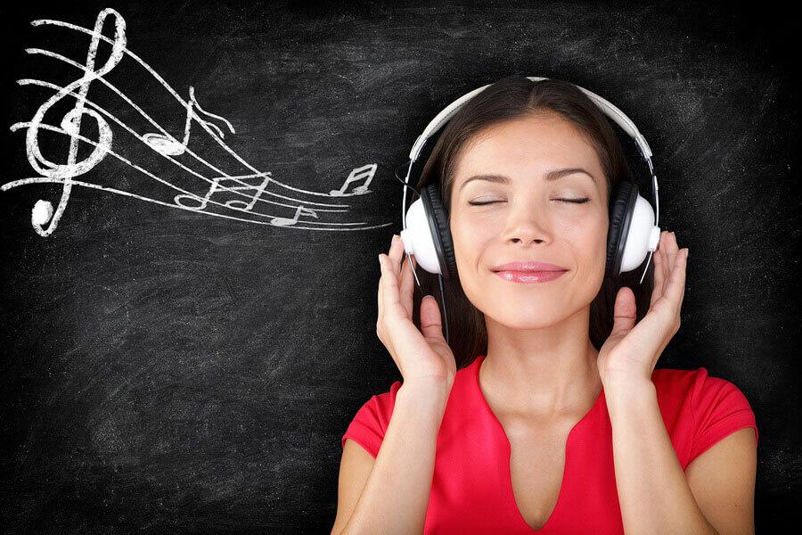 Tìm tên bài hát khi nghe đoạn nhạc bất chợt
